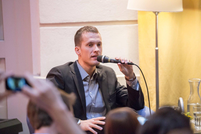 Moderation Podium TALK Figlhaus Wien Akademie für Dialog und Evangelisation Brückenbauer gesucht - in einem gespaltenen Land