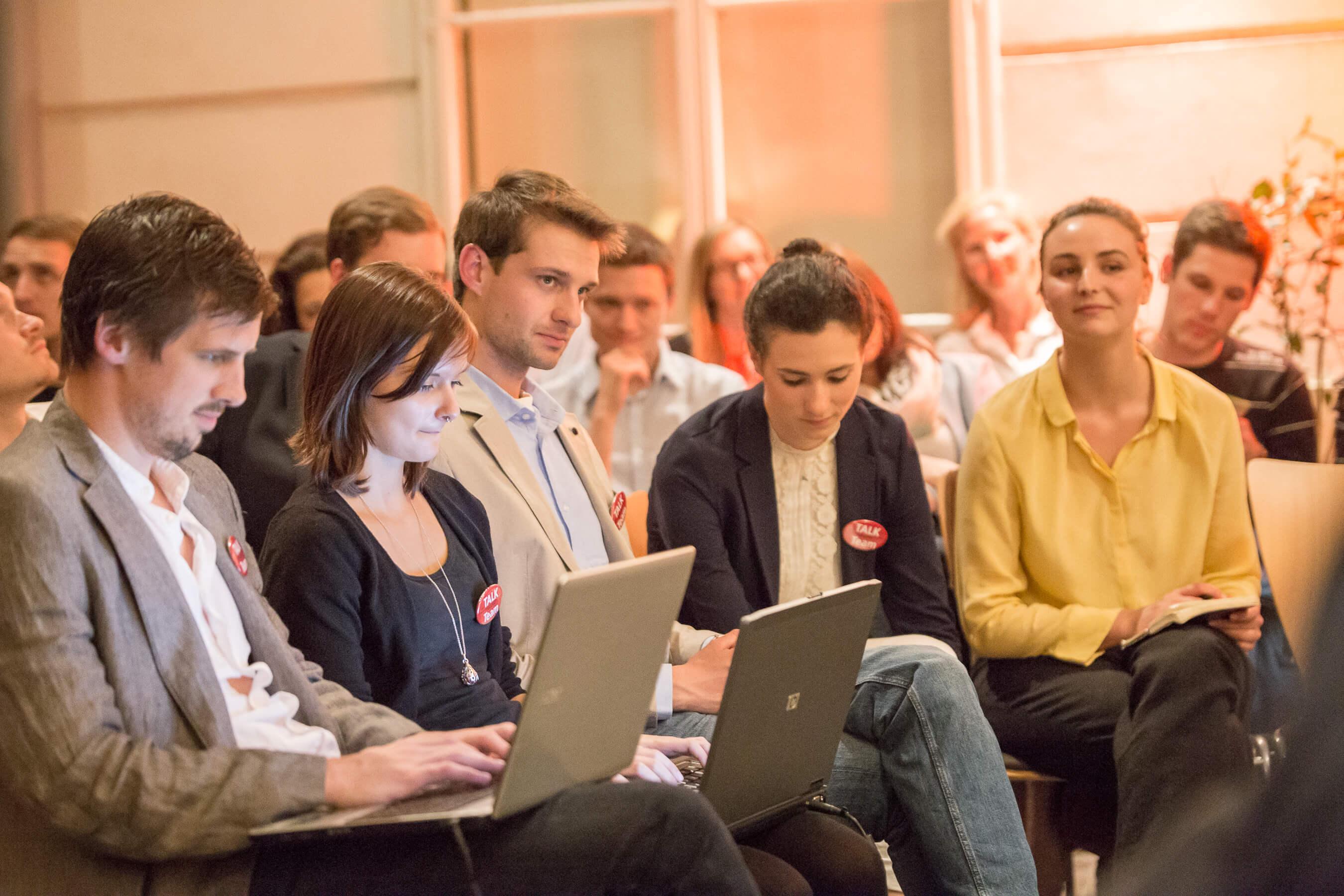 Team Studenten TALK Figlhaus Wien Akademie für Dialog und Evangelisation Brückenbauer gesucht - in einem gespaltenen Land