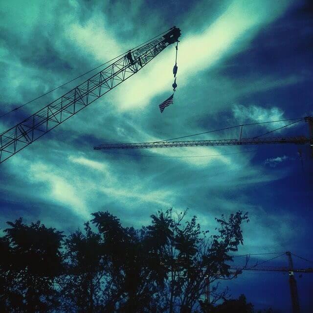 crane-985446_640