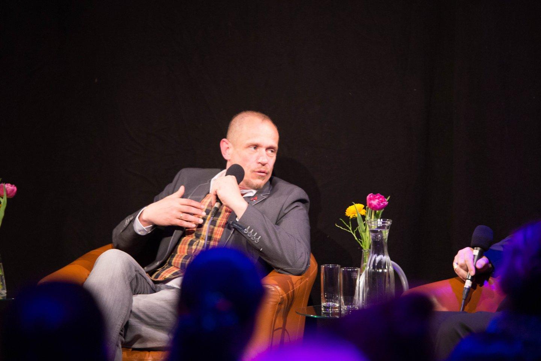 Gery Keszler Kardinal Christoph Schönborn TALK Zwischen zwei Welten - eine Begegnung als Tabubruch WUK Figlhaus Wien Akademie für Dialog und Evangelisation