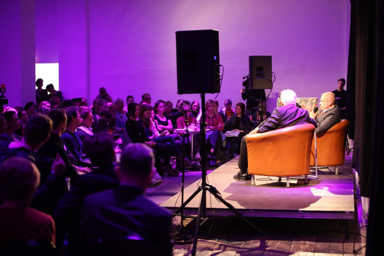 Studenten Podium Gery Keszler Kardinal Christoph Schönborn TALK Zwischen zwei Welten - eine Begegnung als Tabubruch WUK Figlhaus Wien Akademie für Dialog und Evangelisation