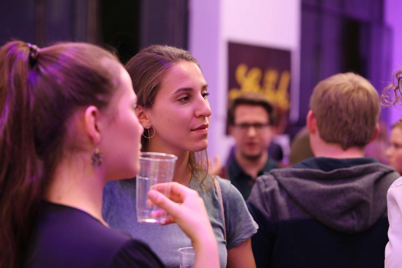 Studenten Gery Keszler Kardinal Christoph Schönborn TALK Zwischen zwei Welten - eine Begegnung als Tabubruch WUK Figlhaus Wien Akademie für Dialog und Evangelisation