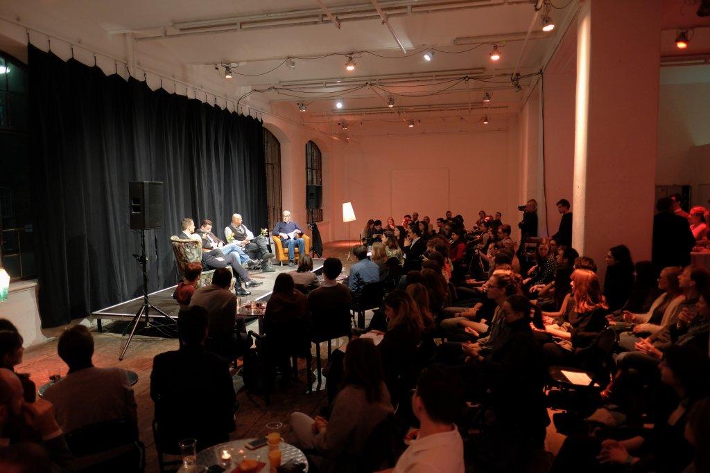 TALK WUK Figlhaus Wien Akademie für Dialog und Evangelisation EU als Lösung oder als Problem Studenten Podium