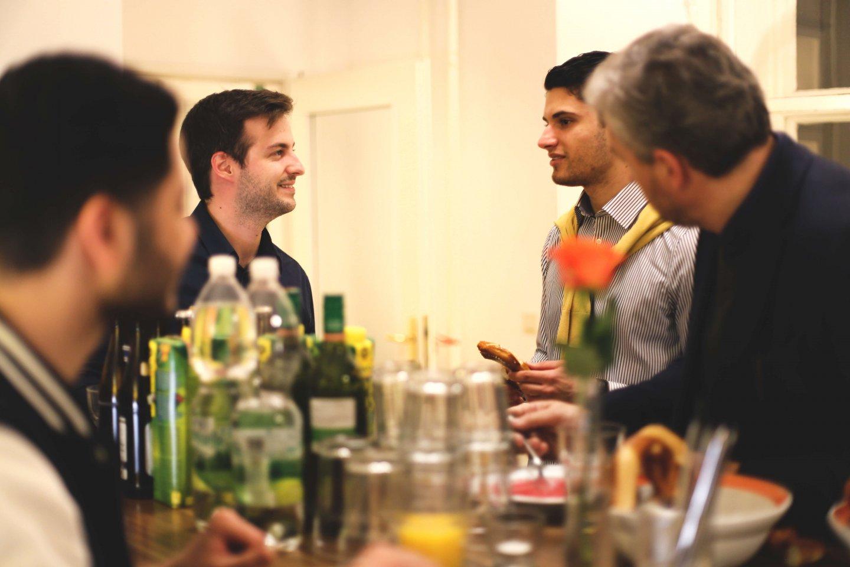 SPIRITWorkout Caféteria Gott Welcome Drinks Snacks Bier Wein Gettogether Entry Figlhaus Wien Akademie für Dialog und Evangelisation