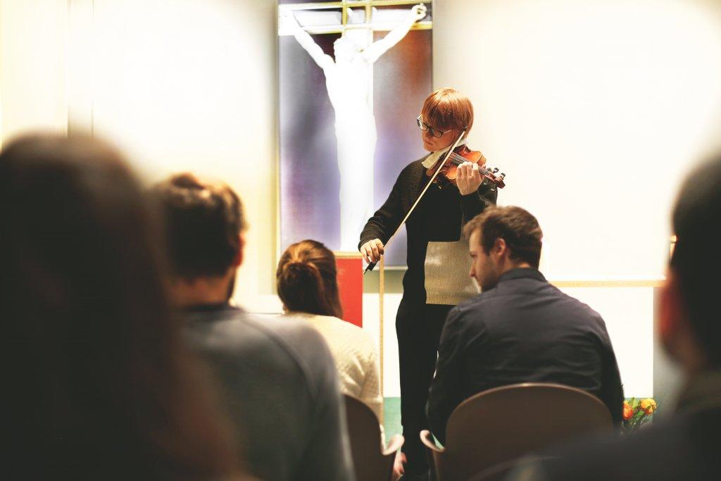 SPIRITWorkout Kapelle Gott Figlhaus Violine Geige Musik Floris Akademie für Dialog und Evangelisation