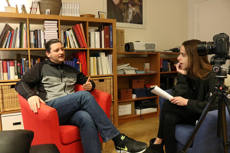 #figlpeople Jürgen Boszoki Bücherregal Interview Ein untypischer Politiker Sarah Kröll Figlhaus Wien