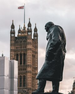 Churchill Big Ben UK Europe Statue Mein europäisches Paradoxon