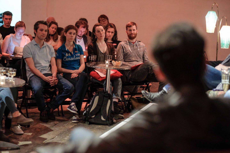 studenten publikum reinhold bilgeri tanja wehsely emmanuel fleckenstein talk wuk figlhaus wien akademie für dialog und evangelisation